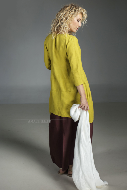 Our natural white linen shirt EmilieTHE must have of this summer! Looks