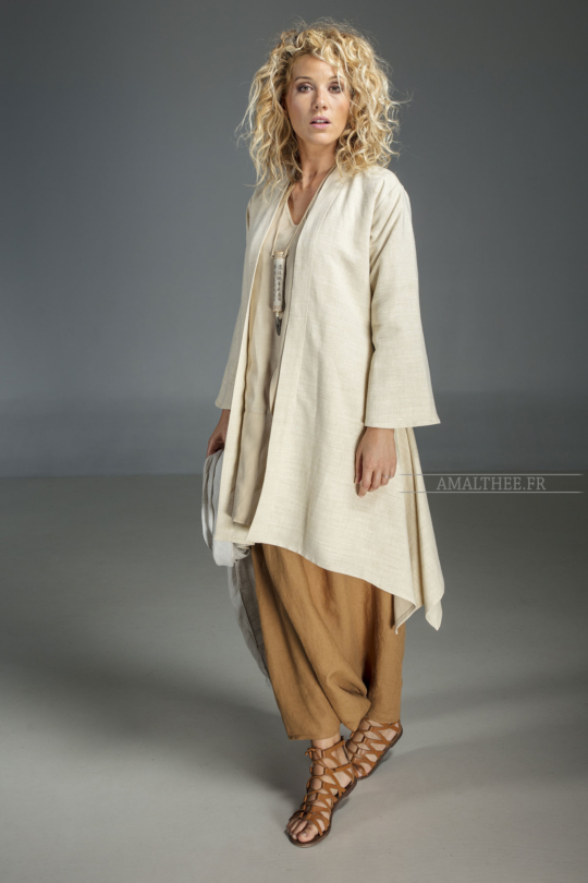 dust coat Sahara cut in a super soft and supple pure linen. Looks
