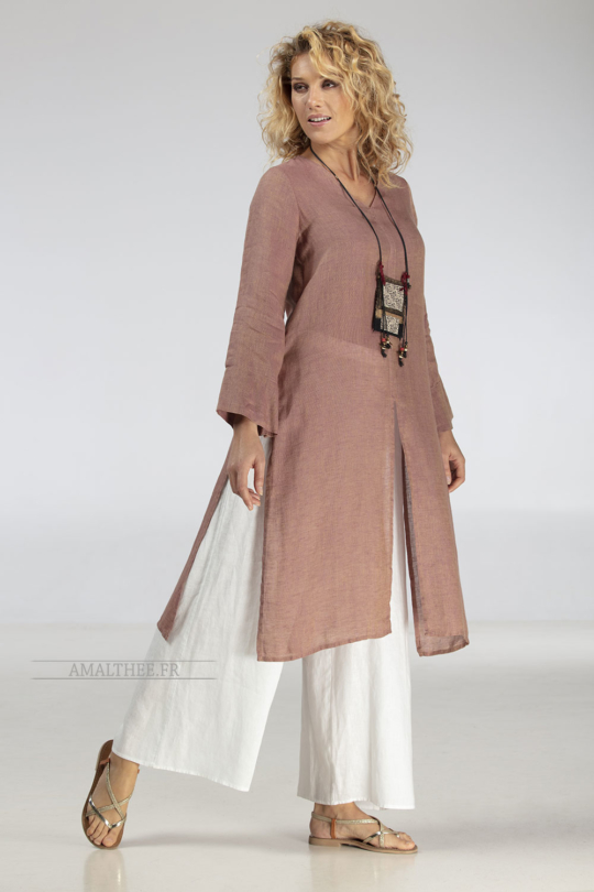 Side-slit rosewood linen gauze Tunic AOZAÏ  match with our white linen wide legged ( flared) Baba pants. Looks