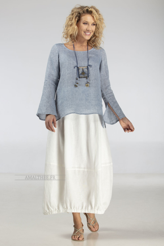 "Blue linen gauze top Anaïs, it comes with our natural white linen Zoé skirt : a comfortable ""tulip"" shape Looks"