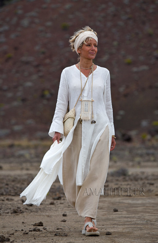 White linen side slit summer tunic with long sleeves and sarouel skirt Looks