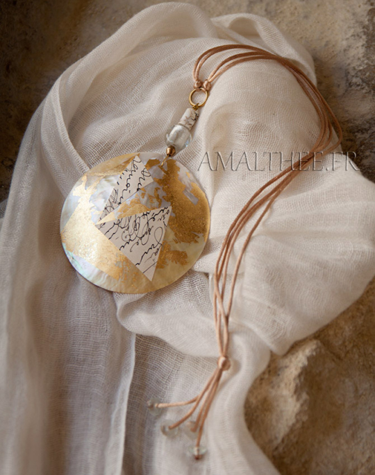 Mother of pearl contemporary necklace Jewellery