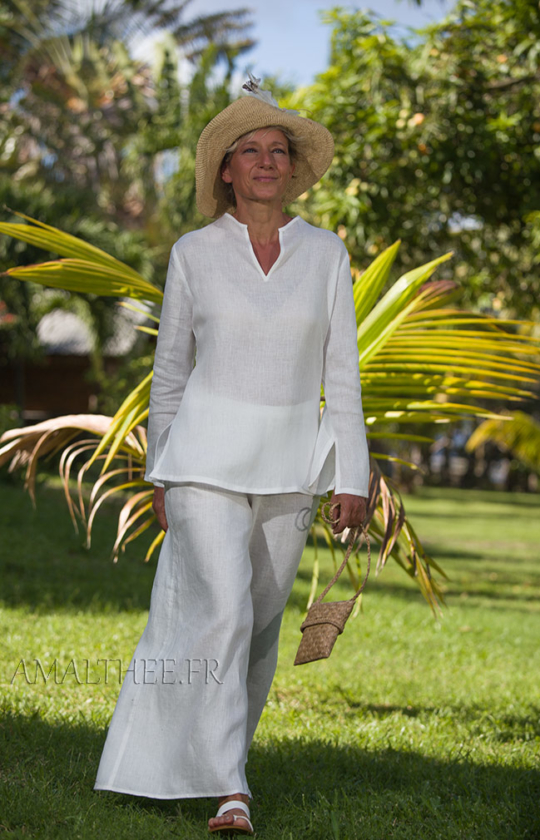 White linen tropical wedding outfit Looks