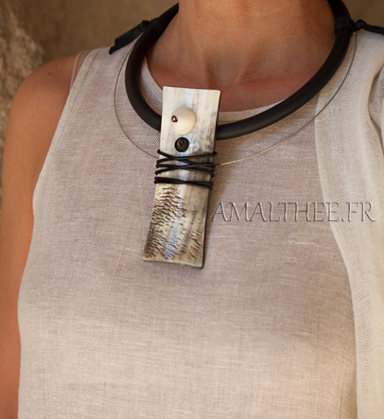 Contemporay natural horn jewel with rubber Jewellery