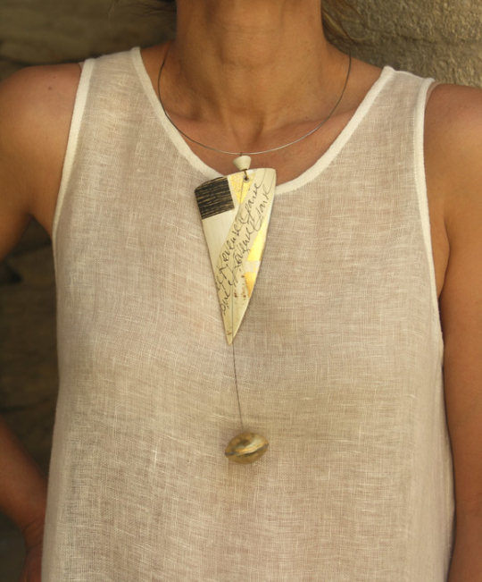 Contemporary design for this horn necklace Jewellery