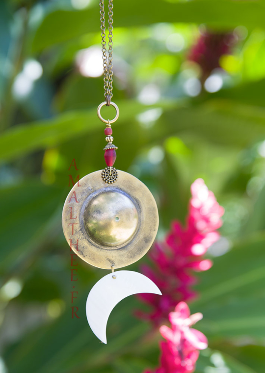 Symbolic wedding jewelry : Sun-Moon Cosmic Union pendant necklace Jewellery