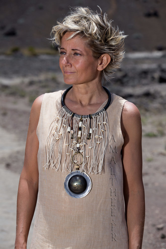Statement jewelry : tribal inspiration for this stunning ethnic fringe bib necklace Jewellery