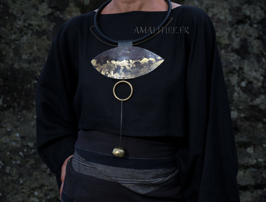 Contemporary jewelry : statement oxidized necklace with gold leaf Jewellery