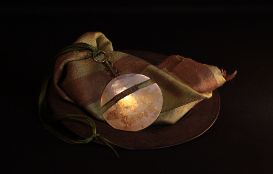 Mother of pearl pendant necklace patinated with gold leaf Jewellery
