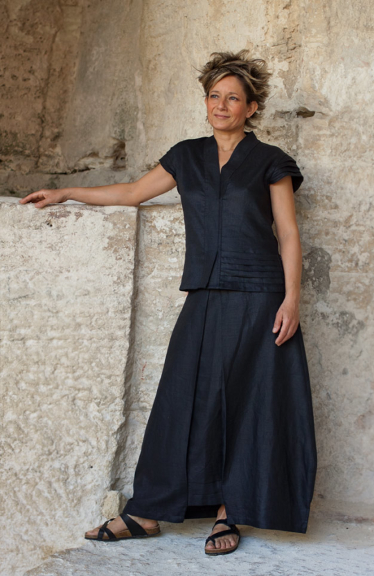 Skirt 'Kenji' made of  black linen Skirts