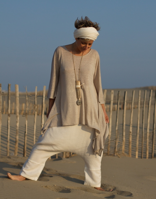 Loose fit: Asymetric linen jersey tunic pale gray color Looks
