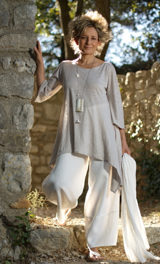 Asymetric linen jersey tunic pale gray color, white linen large pants Looks