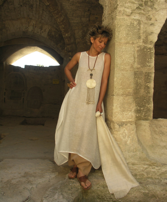 Dress/tunic in veil of linen Looks
