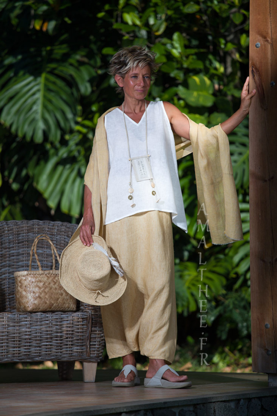 White linen gauze Top with a YELLOW STRAW SAROUEL SKIRT Looks