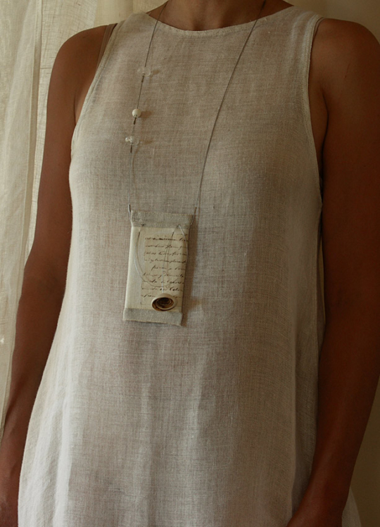 Linen pendant necklace framed Jewellery