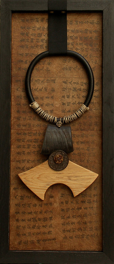Ethnic necklace framed made of horn and wood Jewellery