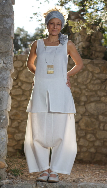White linen set: short tunic  and japanese style harem pants Looks