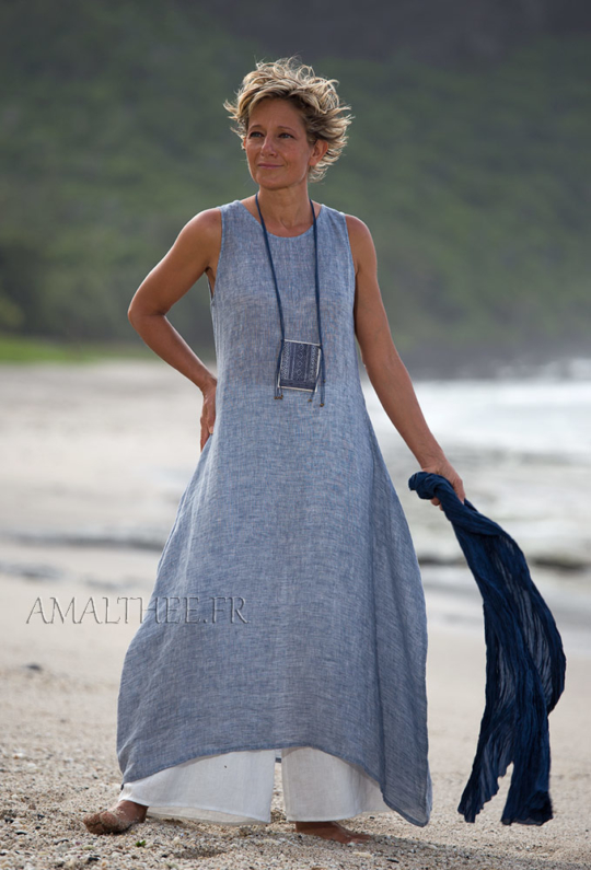 Seaside clothing: blue linen gauze summer tunic Looks