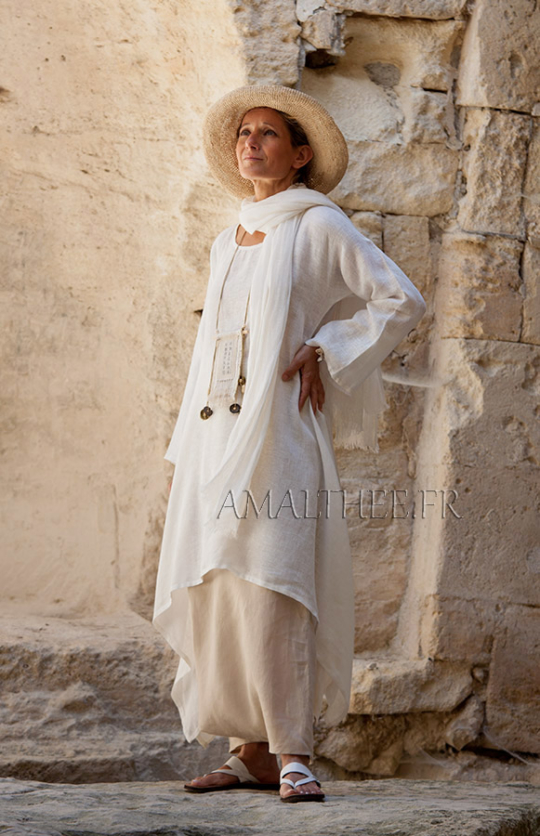 Loose fit off white linen tunic Looks