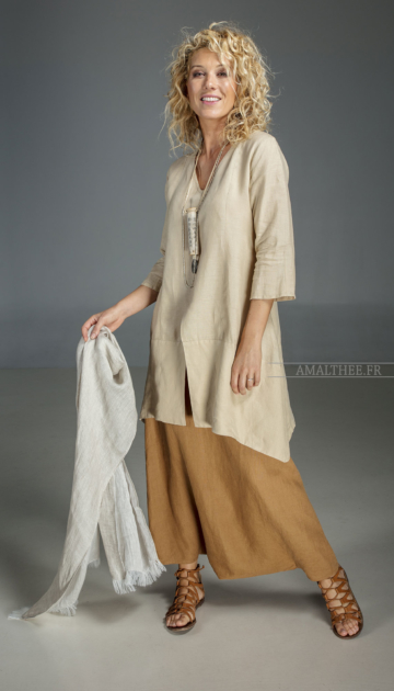 Our sand beige linen blouse Emilie  Wear it with our tobacco linen sarouel skirt for a super Boho Chic Looks
