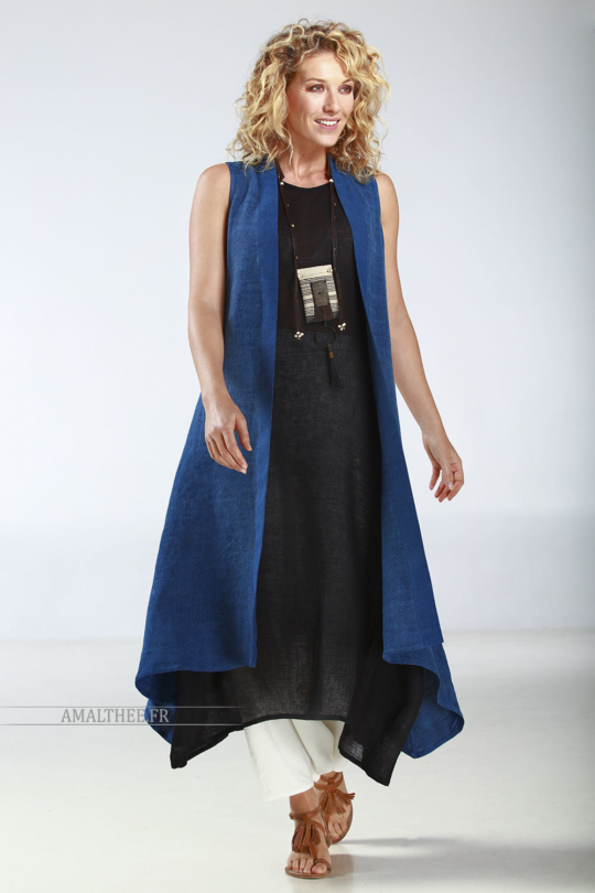 this summer coat is perfect with our black linen gauze LILI TUNIC Looks