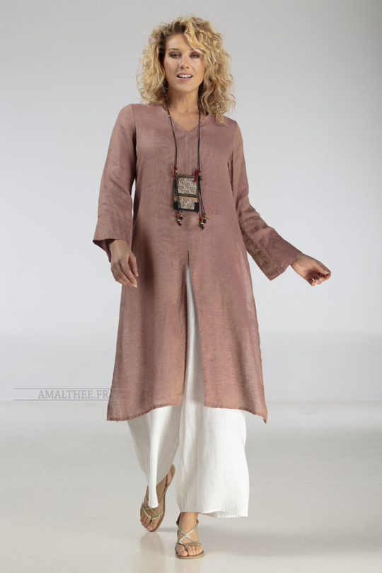 Side-slit rosewood linen gauze Tunic AOZAÏ  match with our white linen wide legged ( flared) Baba pants. Looks Spring summer