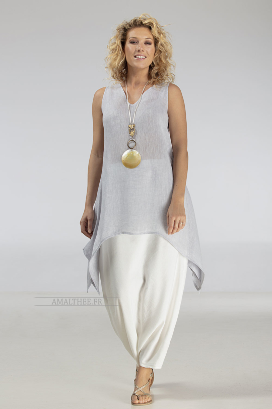 Loose fit elegance of our ice blue linen gauze tunic Dahlia Looks Spring summer