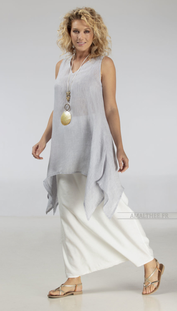 Loose fit elegance of our ice blue linen gauze tunic Dahlia Looks