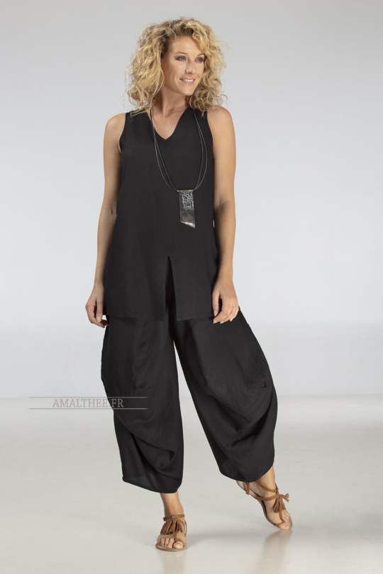 Funky drape legs black pant with assorted top Looks Spring summer