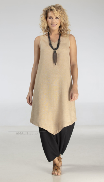 Summer outfit: beige linen flax long tunic with black sarouel Looks