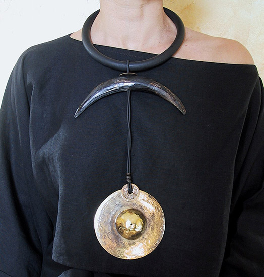 ethnic necklace with horn and bronze Jewellery