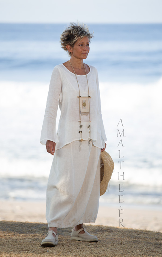 Natural white linen gauze top Anaïs (flared and slit sleeves Looks