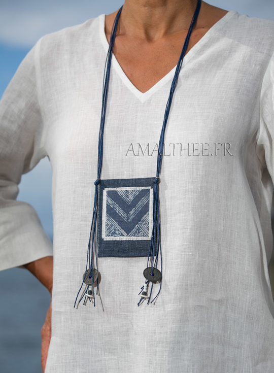 Textile necklace : indigo blue batik piece Jewellery