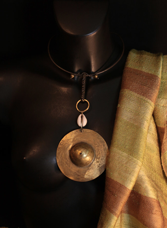 oriental jewelry:necklace with hammered iron and  bronze pendant Jewellery