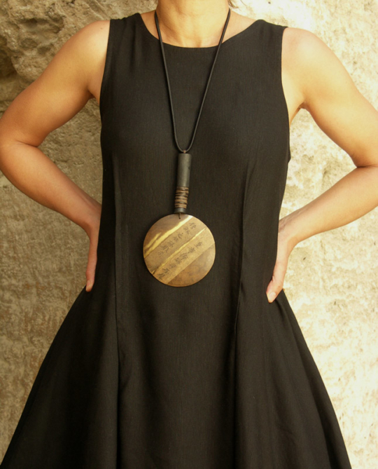Artisanal pendant necklace made of brass Jewellery
