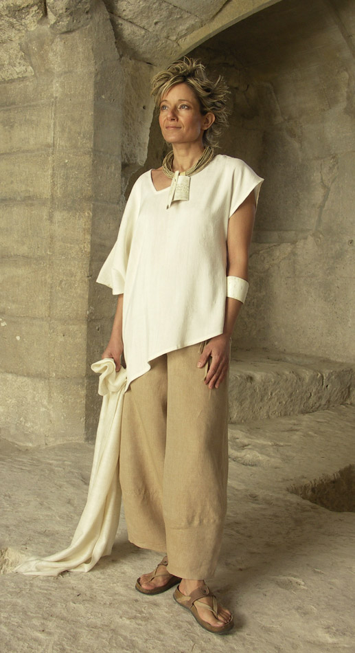 Originals silk clothes: Top made of raw silk natural color Looks