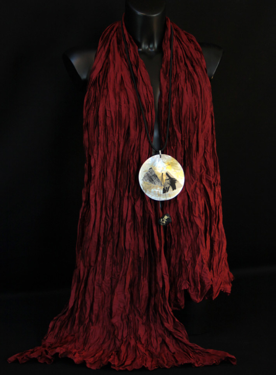 Stole in pure silk red taffeta. Jewellery