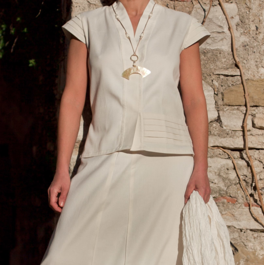 Beautifully elegant outfit skirt made of silk and coton. Looks