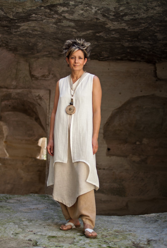 Linen outfit tunic and waistcoat Looks Spring summer