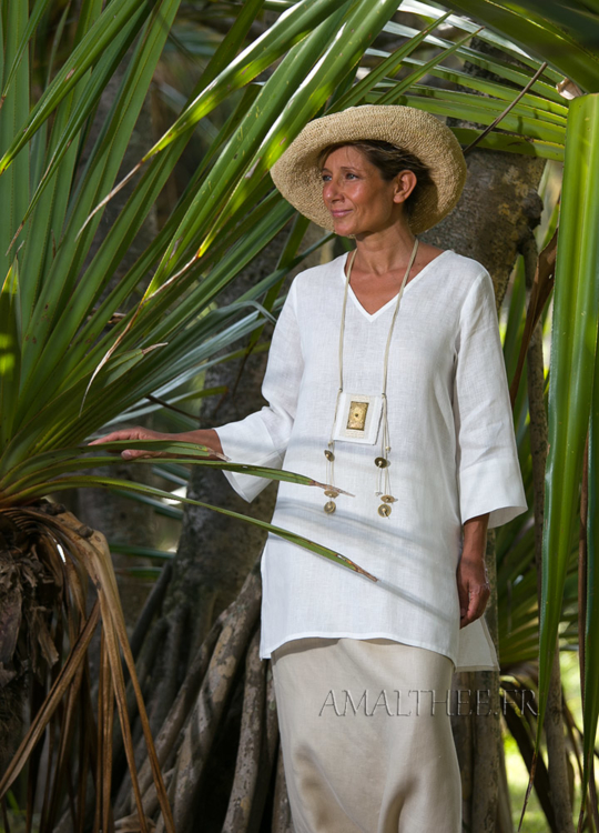 White summer linen tunic with sleeves Looks Spring summer