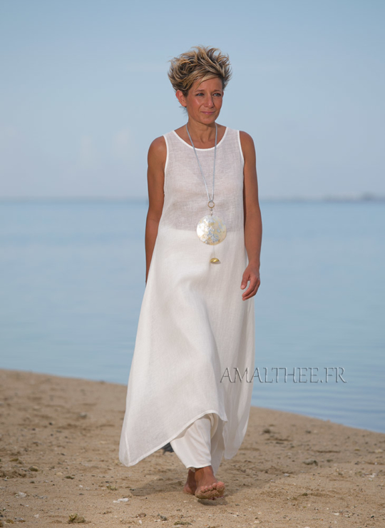 Linen summer outfit for women :natural white linen tunic with sarouel skirt Looks
