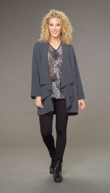 Lise coat in anthracite-colored wool linen with drape on the front with the unstructured Alaya tunic and black jeggings Looks Winter autumn