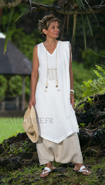white linen sleeveless summer tunic and beige sarouel skirt Looks