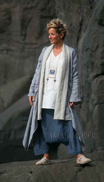 Spring-summer season Blue linen  coat 2 layers woven together oatmeal and blue Looks