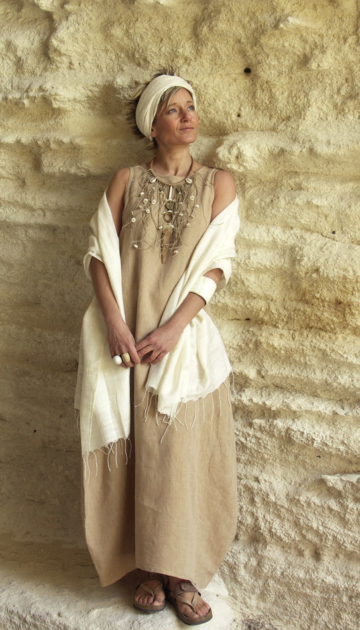 Dress made of beige linen Looks