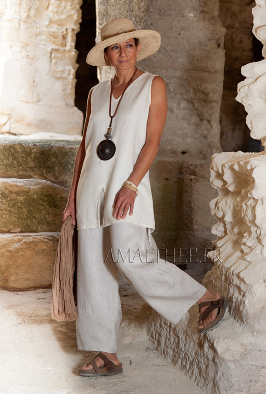 Linen outfit:sleeveless off white linen tunic and oatmeal linen  trousers. Looks