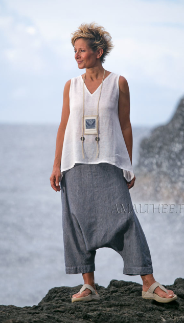 Striped denim linen sarouel with white linen gauze top Looks