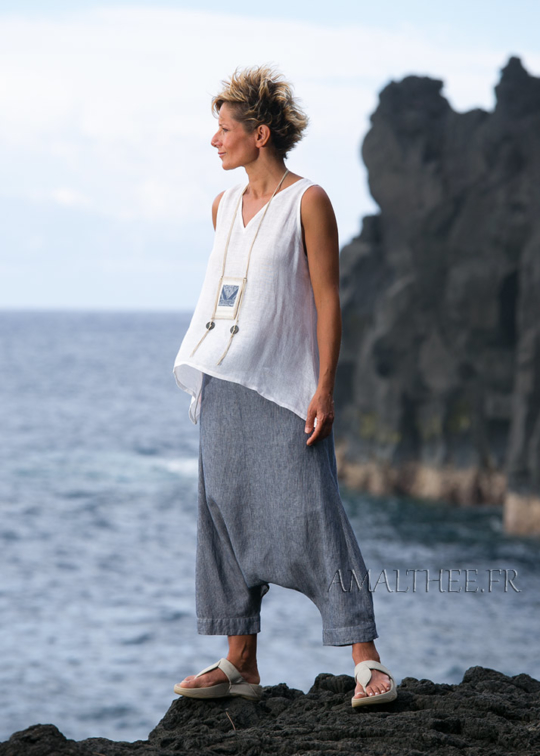 Striped denim linen sarouel with white linen gauze top Looks Spring summer