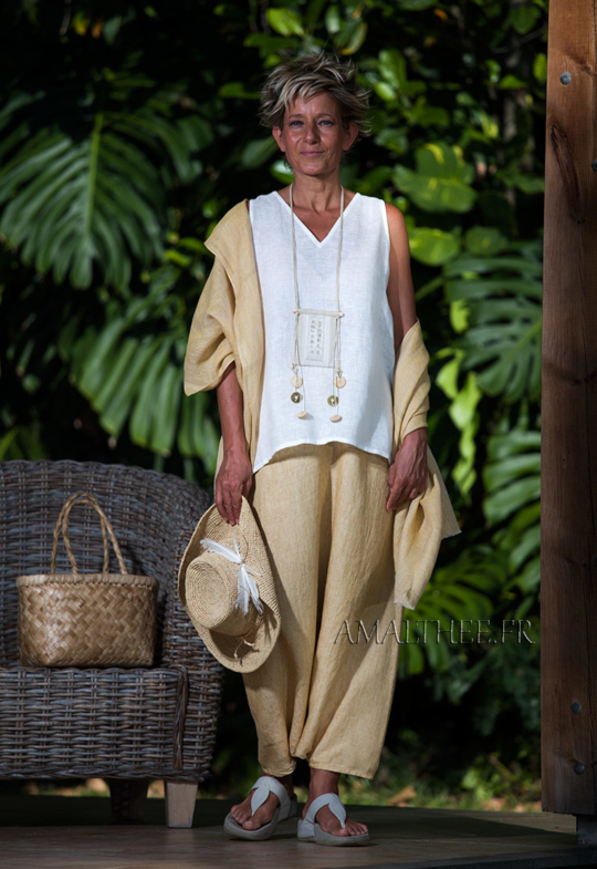 White linen gauze Top with a YELLOW STRAW SAROUEL SKIRT Looks Spring summer