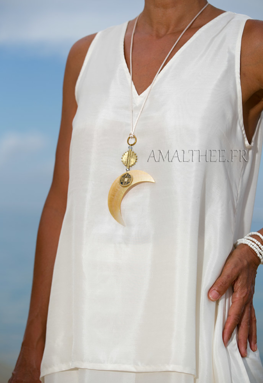 mother of pearl necklace: Mother of pearl Moon pendant Jewellery